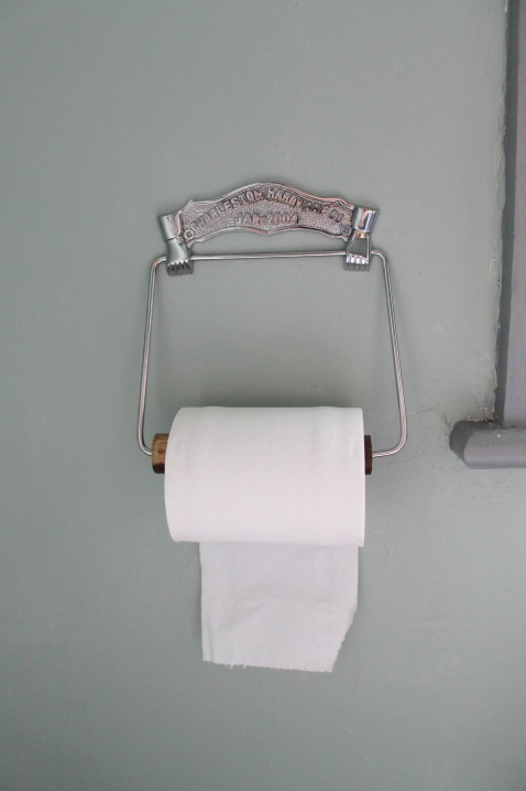 Toilet Roll Holder Stylist's Own by Joanna Thornhill