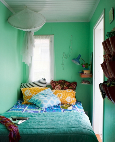 Karin Lindroos' bed nook, as featured in Home for Now by Joanna Thornhill